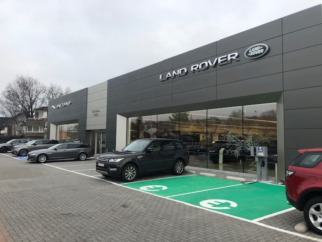 Picture of a Land Rover dealer